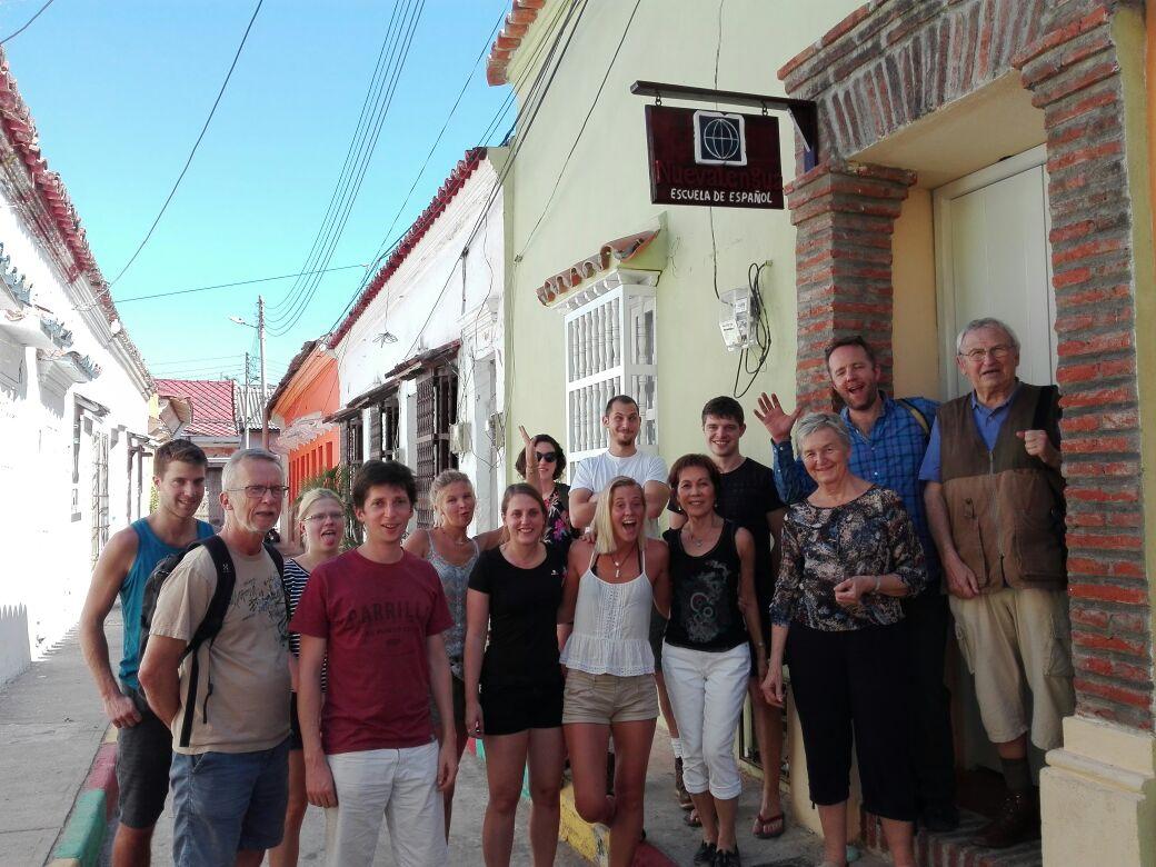 קבוצת תלמידי בית ספר ספרדי Nueva Lengua קרטחנה קולומביה הספרדית